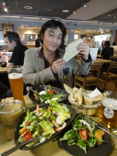7_フランクフルト空港で最後の食事.jpg